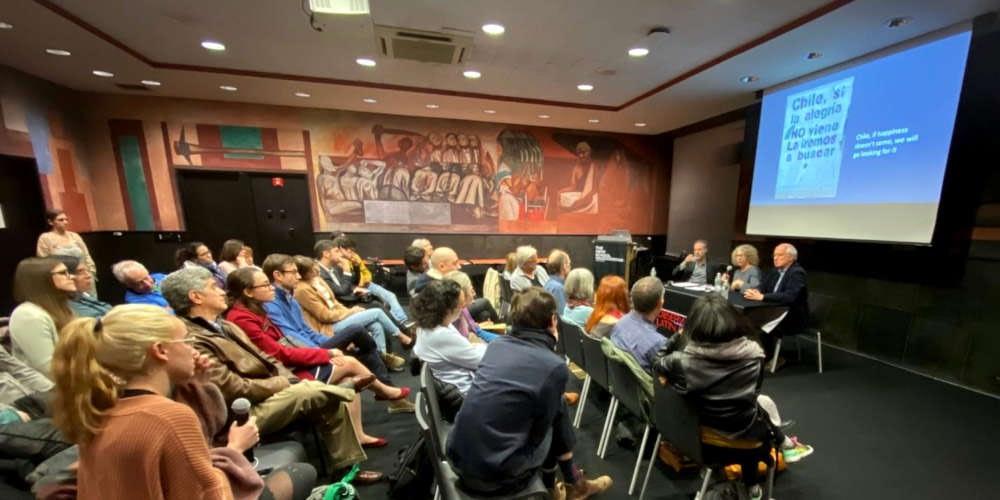RESUMEN DE EVENTO · No son $30 pesos, son 30 años: gráfica de protesta en Chile