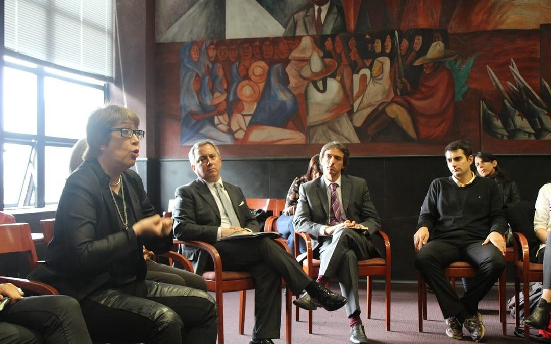 Ministra de Cultura de Argentina dialoga con estudiantes